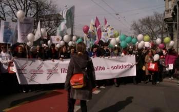 Journée de la femme: 12 000 personnes dénoncent les inégalités salariales