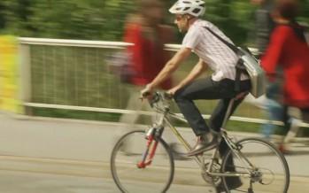 Pistes cyclables dans les villes: peu nombreuses et parfois dangereuses