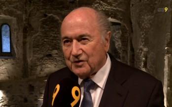 Attaqué de tous côtés, Blatter a la conscience tranquille
