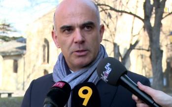 """""""Je suis venu par amitié pour Jean-Noël Rey et Georgie Lamon"""", dit le conseiller fédéral Alain Berset"""