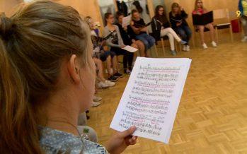 Verbier Festival: un chœur d'enfants du Haut-Valais participe à l'opéra Carmen