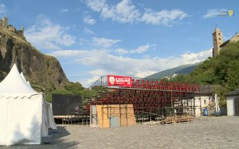 Théâtre: la compagnie Boll et Roche présente son spectacle «Einstein» sur la place Maurice Zermatten