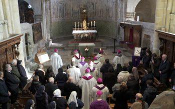 Abus sexuels dans le contexte ecclésial: une messe collective pour les victimes
