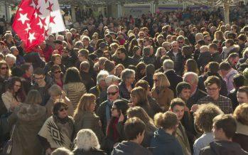 Grande mobilisation populaire contre les affiches et la politique de l'UDC en Valais à la place du Scex à Sion