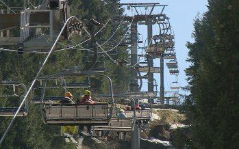 Comment les stations de ski françaises financent-elles leurs remontées mécaniques?