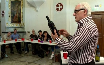 Promotion des vins: les cafetiers-restaurateurs de Sion se pressent aux cours d'œnologie donnés par Dominique Fornage