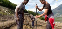 Huit personnes en situation de handicap apprennent les métiers de la vigne. Premier millésime dans trois ans
