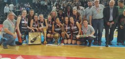 Hélios Vétroz Basket: le sixième titre d'affilée et les larmes de Sarah Kershaw pour ses adieux