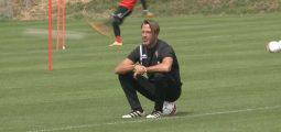 FC Sion/Camp de préparation à Crans-Montana: les interviews de l'entraîneur Paolo Tramezzani et de l'attaquant Marco Schneuwly
