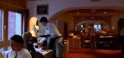 Spécialiste en communication hôtelière: une formation pour connaître toutes les facettes de l'hôtellerie