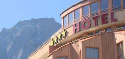 Réservation en ligne: les hôteliers suisses devraient pouvoir moduler leurs prix et attirer les clients sur leur site internet