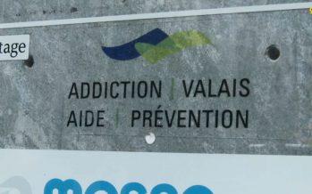 Addiction Valais suscite des questions: la ministre Esther Waeber-Kalbermatten annonce le lancement d'une expertise