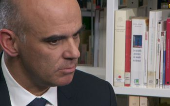 Prévoyance 2020: «C'est un immense enjeu pour la Suisse», dit le conseiller fédéral Alain Berset de passage à Sion