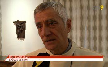 «Plus personne ne doit se sentir exclu de l'Église catholique», dit Mgr Lovey, évêque de Sion
