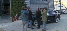 «Le futur appartient à des véhicules 100% électriques», prévoit Christophe Gaulé, au volant de son taxi Tesla