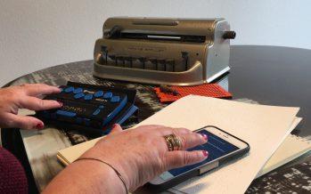Joëlle Beuret-Devanthéry raconte son métier: formatrice de braille. Une technique de lecture qui peut s'apprendre dès la petite enfance