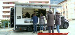 Food trucks: les restaurants ambulants fidélisent une clientèle valaisanne qui veut bien manger et rapidement