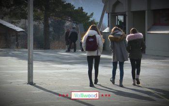 Walliwood (épisode 3 sur 12): trois Romands ont décidé de faire leur dernière année du cycle d'orientation dans le Haut-Valais