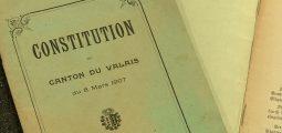 Feuille de route ou feuille blanche? UDC et Appel Citoyen s'opposent sur la manière de réécrire la constitution valaisanne