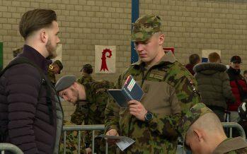 Police militaire: 430 hommes sous les drapeaux à Sion. La caserne n'avait plus accueilli d'école de recrues depuis seize ans