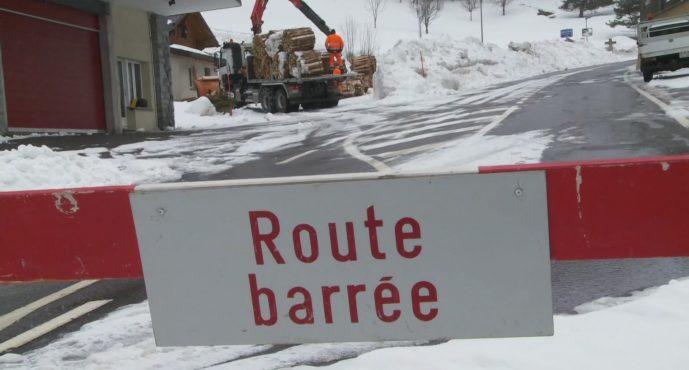 Coup dur pour les habitants de la vallée du Trient: la route de la Forclaz sera fermée jusqu'au 5 mars. Reste l'accès par le train