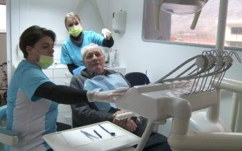 DentiBus: une solution mobile pour amener le dentiste à la porte des établissements pour personnes âgées