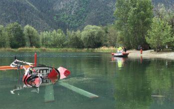 Lors d'un exercice à Rarogne, un hélicoptère tombe dans bassin d'accumulation d'eau. Le pilote s'en sort blessé
