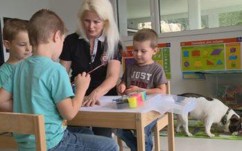 École à domicile, écoles privées alternatives ou sytème public: quelle place pour ces types de formation en Valais?