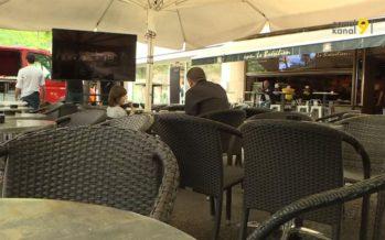 Le Mondial de foot fait sortir les écrans TV des salons jusque sur les terrasses, les places et dans les bistrots