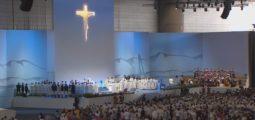 Des centaines de Valaisans ont assisté à la messe du Pape François à Genève