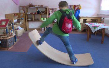 Wobbel board: une planche en bois qui fait fureur auprès des petits et des grands