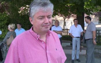 De nombreuses forces politiques se sont réunies ce matin sur la Place de la Planta sur invitation de l'association RESPE