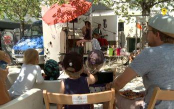 Tous les jeudis de l'été, à Sion, la compagnie Perlamusica présente des lectures en musique