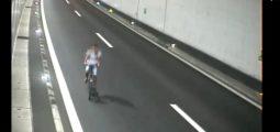 La police valaisanne arrête un homme qui roulait à vélo à contresens sur l'autoroute A9, à 1 h 30 du matin