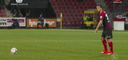 Une nouvelle défaite : Sion perd contre Xamax 3 à 1. Ça sent la crise au FC Sion? «Non» répond Murat Yakin