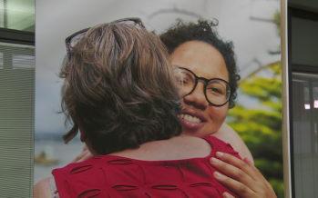 Journée des proches aidants: Canton et associations mettent en lumière ces personnes qui œuvrent dans l'ombre