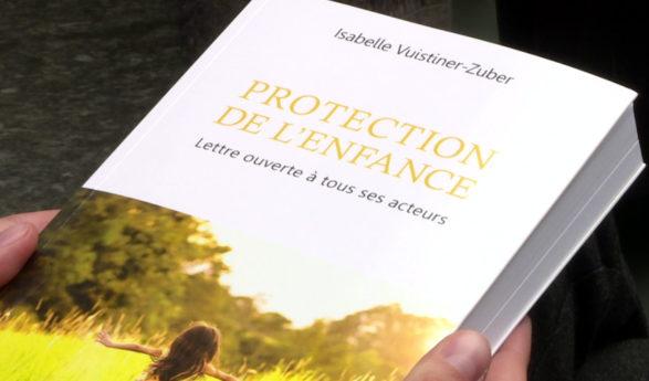 Familles déchirées, gardes retirées: un livre avec huit témoignages épingle les autorités de protection de l'enfant