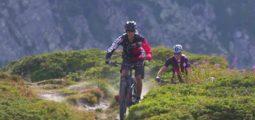 Après les freeriders en hiver, Verbier veut séduire en été les sportifs à vélos électriques