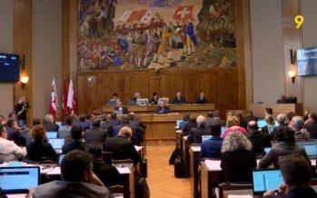 Plan climat, interdiction de la gratuité des sacs plastiques: le Parlement valaisan prend le parti de l'environnement