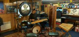 Entre les mains d'Ephraim Salzmann, le hackbrett devient un instrument de musique branché!