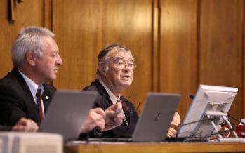 Doyen des élus, Bernard Oberholzer ouvre la session constitutive de la Constituante