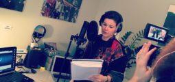 Sandor et le son des années 80: l'artiste valaisanne finalise son premier album