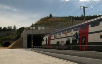 Tunnel CFF de Sierre: premier train à deux étages