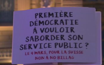 Mobilisation en faveur des médias sur la Place fédérale