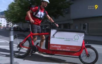 Les livraisons à vélo se démocratisent et les coursiers sont toujours plus nombreux dans les villes valaisannes