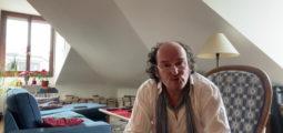 Carte postale: avec le comédien Roland Vouilloz