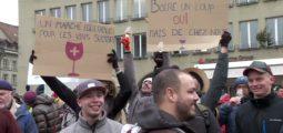 Des dizaines de vignerons valaisans mobilisés sur la Place Fédérale pour faire passer le message d'une consommation locale!