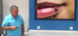 L'astuce dentaire – Consultation 9: Les piercings dans la bouche!
