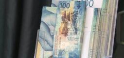 """La commune d'Ayent fête """"son"""" billet de 100 francs"""