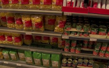 Coronavirus: les Suisses se ruent sur les aliments de base